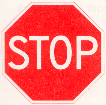 Stop; verleen voorrang aan bestuurders op de kruisende weg