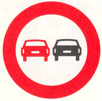 Verbod voor motorvoertuigen om elkaar onderling in te halen